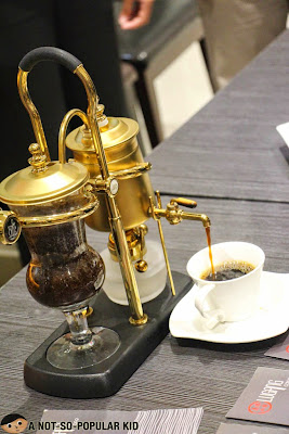 Arabian Coffee using a Siphon - Lugang Cafe