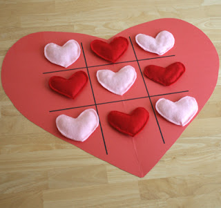 make a valentine's day heart tic tac toe game