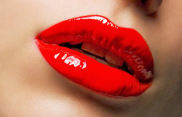 5 Cara Cepat Mengatasi Bibir Kering dan Pecah-Pecah