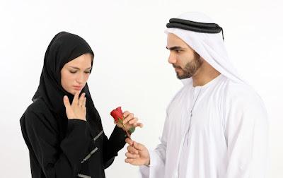 Istri Yang Berkhianat Pada Suami Dan Berzina Akibat Facebook, Baca Kisahnya!