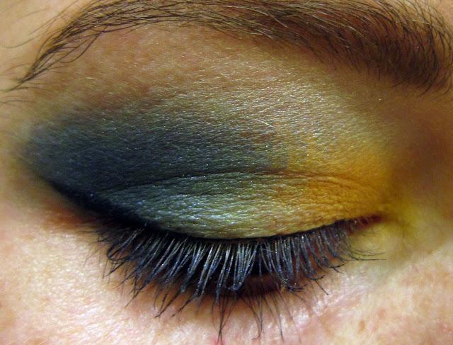 make up bleu