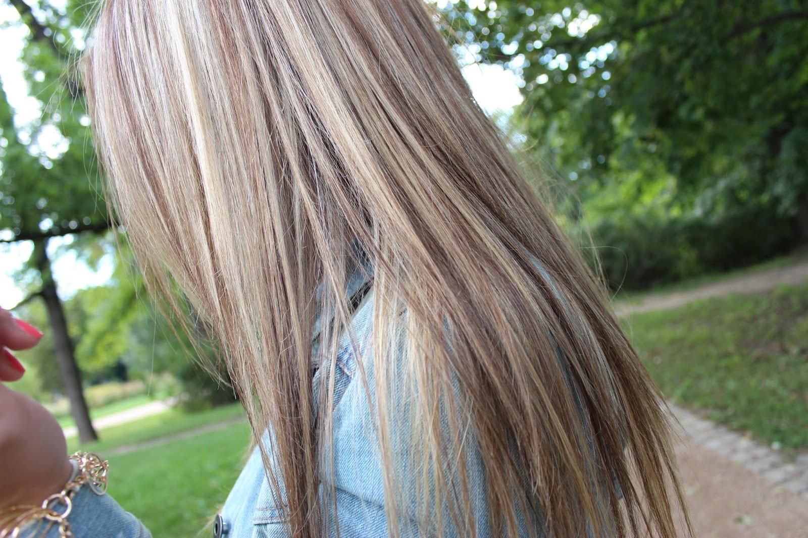 blond vlasy s melírem