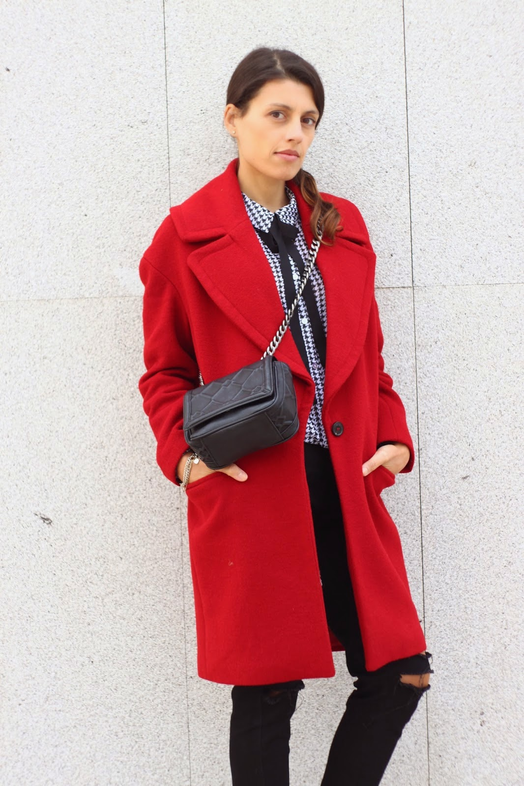 http://ilovefitametrica.blogspot.pt/2014/11/red-black-bow.html#more