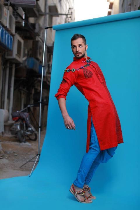 http://1.bp.blogspot.com/-n1hFVWPC4Sk/UA6SWv5nNSI/AAAAAAAADtI/iUcRwCMrPcs/s1600/Arsalan-And-Yahseer-Summer-2012-Rangeen-Kurta-Collectionv.jpg