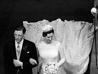 Królewskie Śluby - księżniczka Alexandra i Sir Angus Ogilvy.