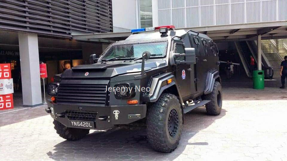 Senang Diri Singapore Police Force Gurkha Mpv