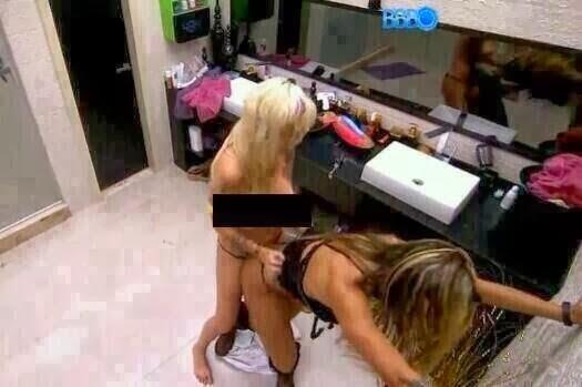 Bomba Vanessa E Clara Do Bbb Foram Pegas No Banheiro