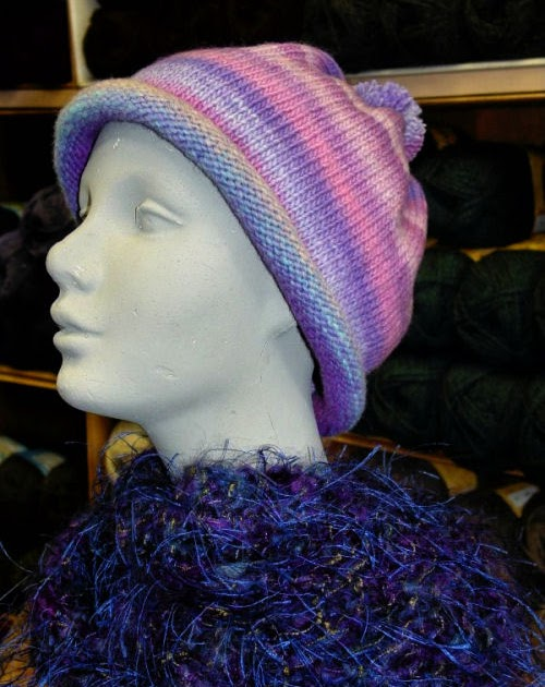 Free Knitting Pattern Rolled Brim Hat : BeadKnitter Patterns: Rolled Brim Hat