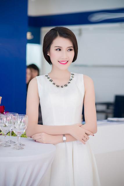 Mặc dù chỉ đạt thành tích top 5 và giải phụ 'Thí sinh có làn da đẹp nhất' nhưng nhờ vẻ khả ái, Thanh Tú nhanh chóng trở thành gương mặt đắt show ở Hà Nội.