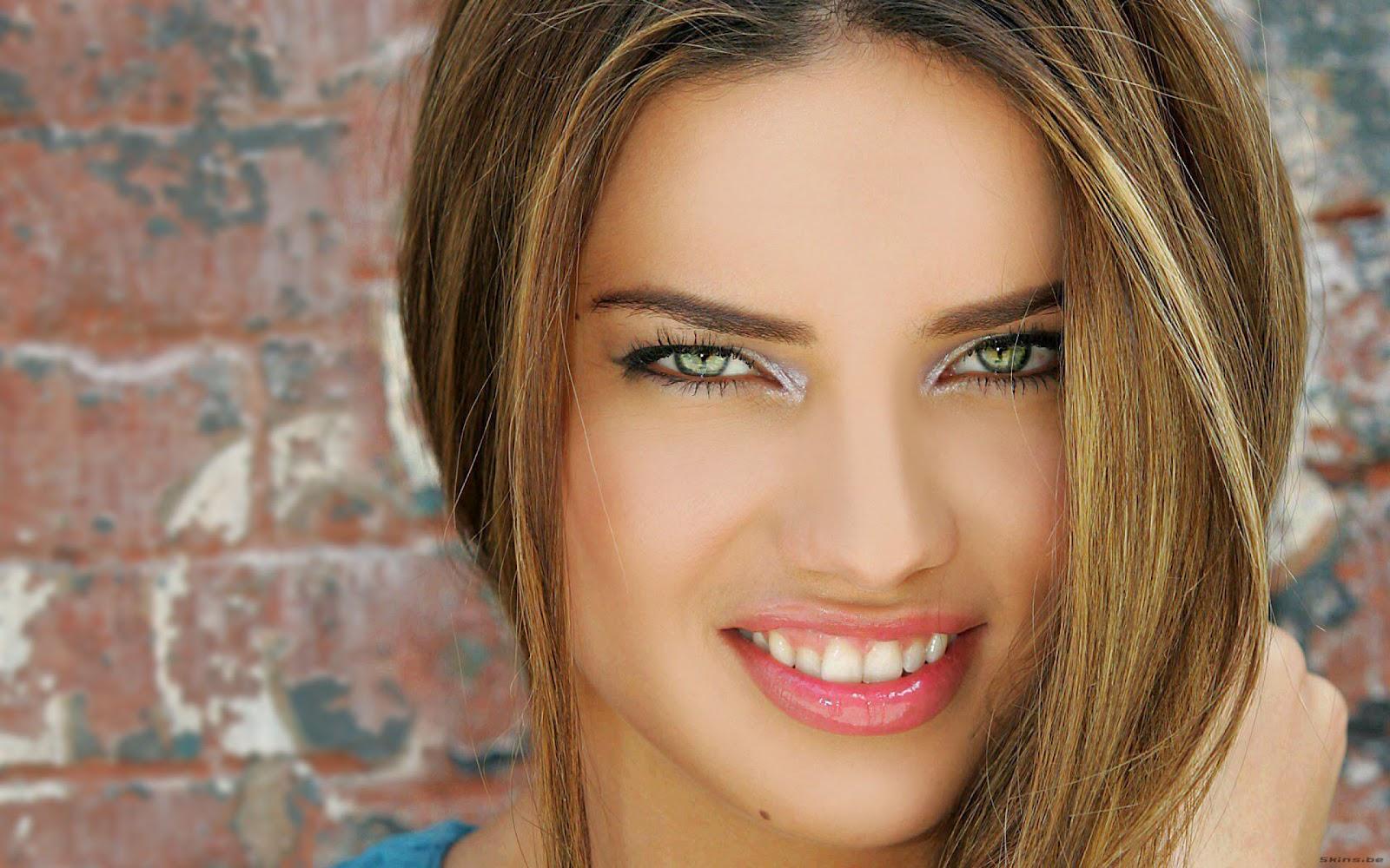 http://1.bp.blogspot.com/-n26Yz2GSnF4/UCymmcdRGGI/AAAAAAAAAIg/KQJ6KVawgpY/s1600/Adriana-Lima-Latest-HD-Wallpapers-Hot-Sexy-Cute-Preety-Hollywood-Actress-Model-Black-Pink-Gray-Red-Dress-Bra-Boobs-Lips+%283%29.jpg