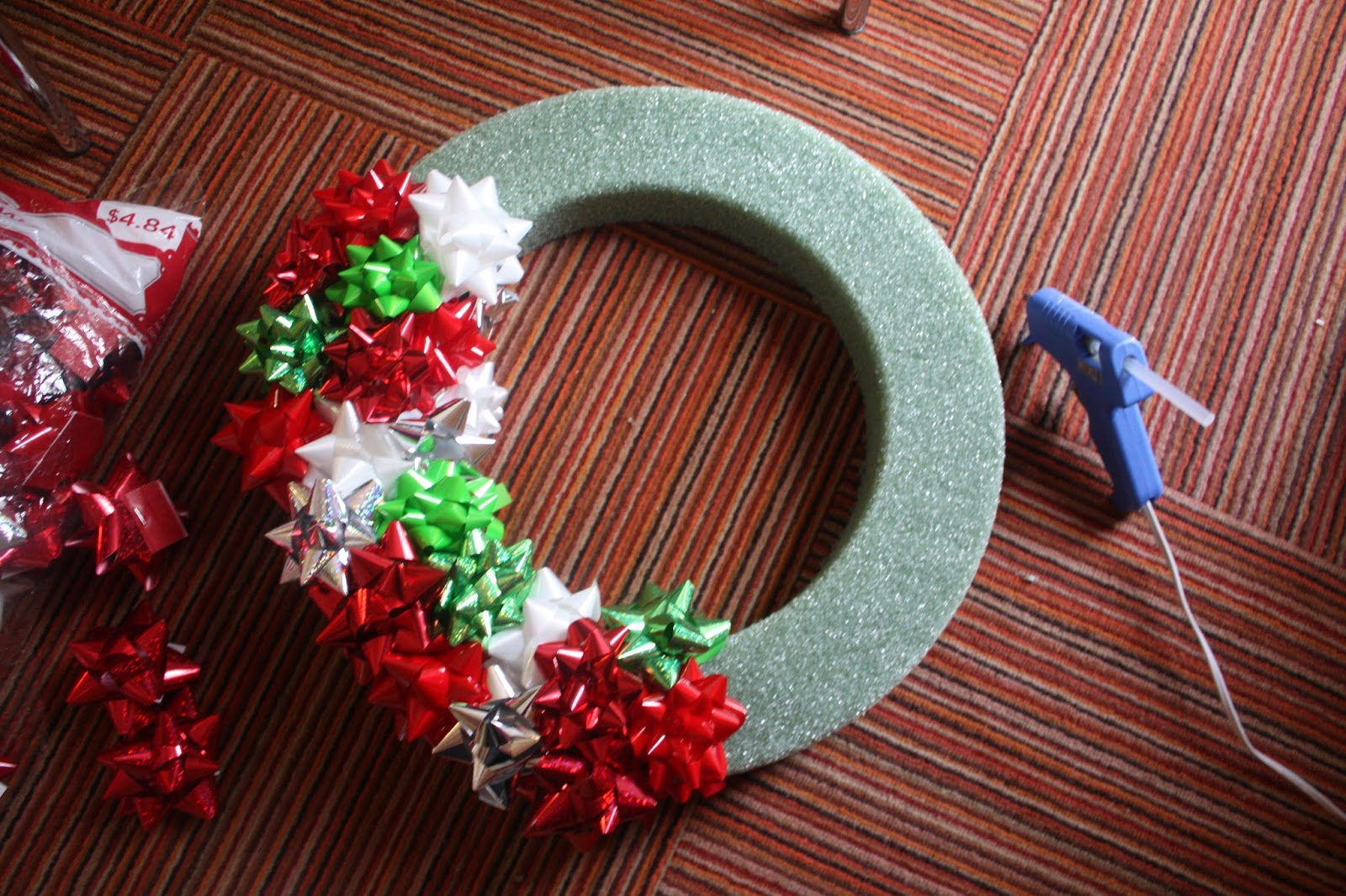 Snapdragon crafts christmas bow wreath tutorial