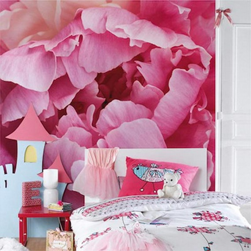 Luxury bedroom design decorating a bedroom with a flower for Flower bedroom ideas
