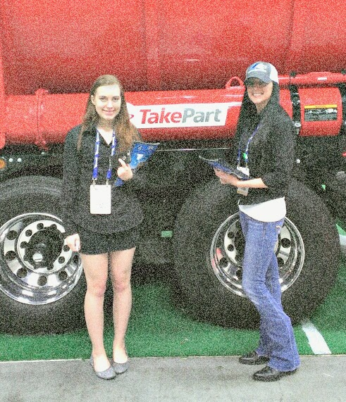 trade-show-girls-by-truck