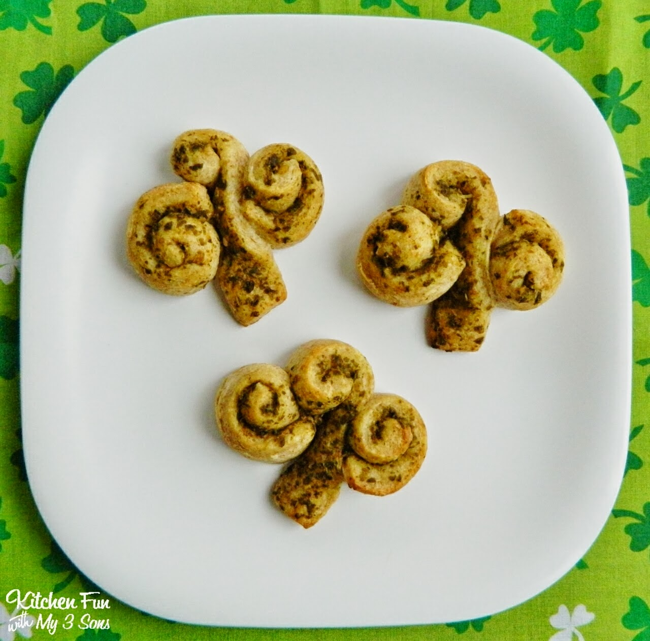 Fast and Easy Shamrock Rolls for St. Patrick's Day
