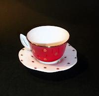 J.Bergins, krūzīte + tasīte, kaula porcelāns, apzeltījums, 27,50 Ls gab.