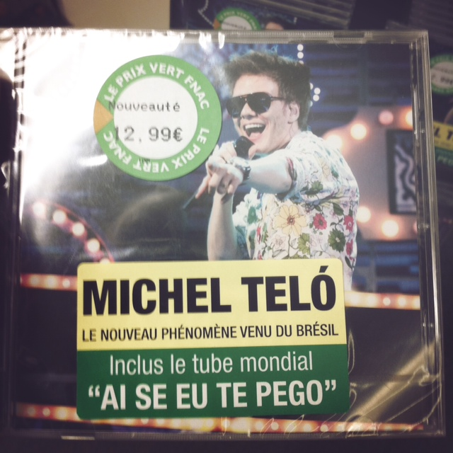 CD do Michel Teló à venda em Paris