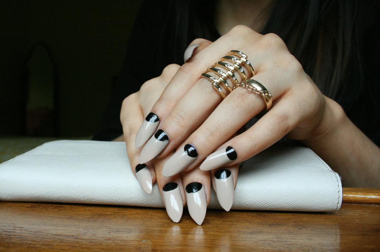 Trends Stiletto Nails