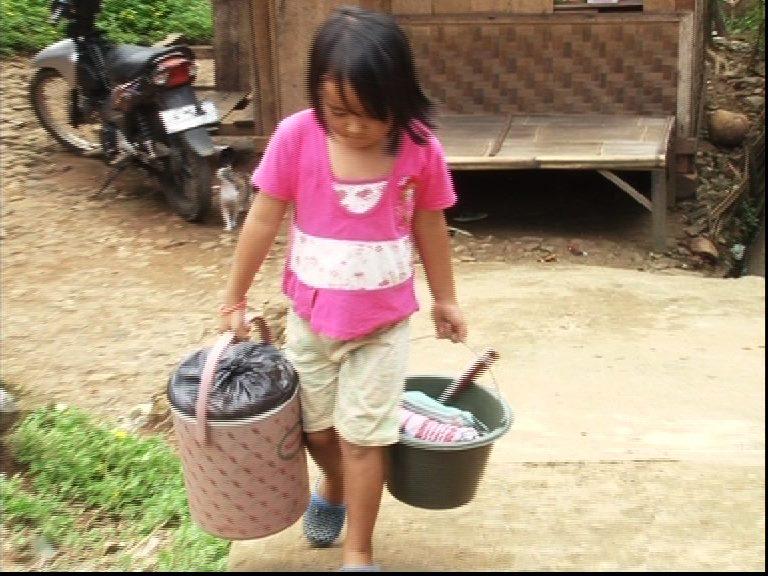 Kisah Siti Anak Cilik Penjual Bakso
