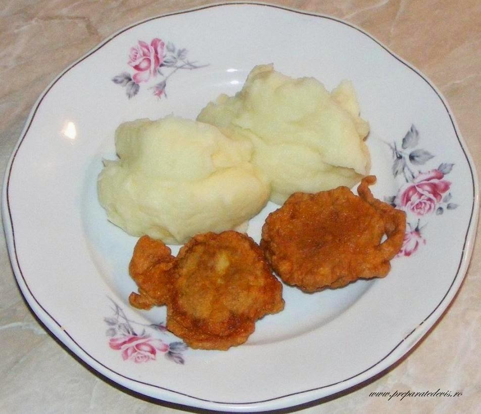 retete si preparate culinare de mancare creier de porc prajit pane cu piure de cartofi