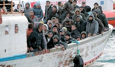 Lampedusa: boatload of refugees #8