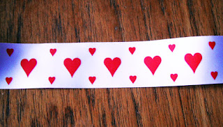 loveheart ribbon