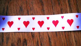 loveheart ribbon