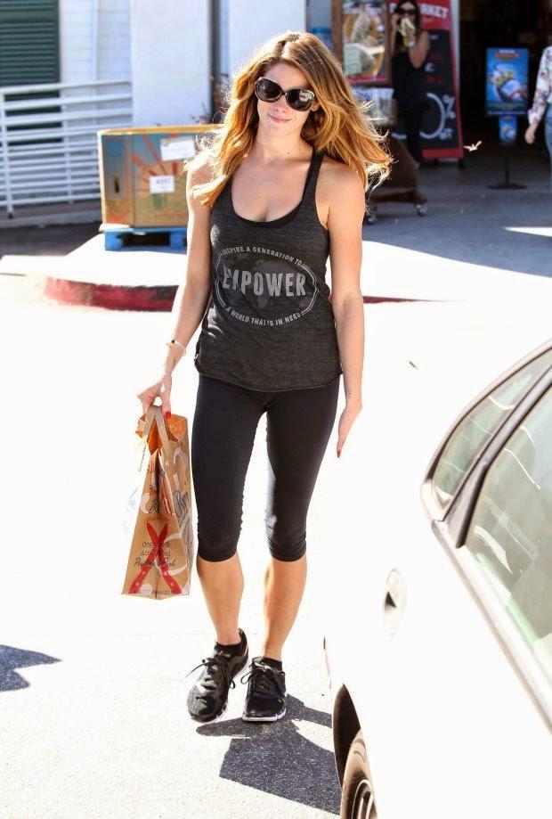 0-Ashley Greene, Street Style