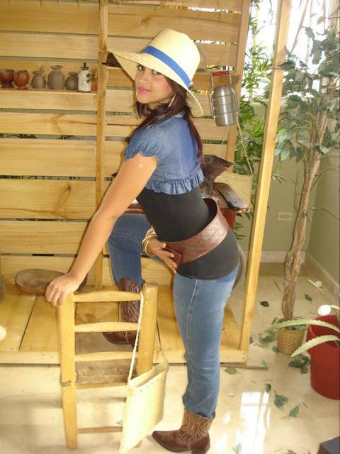Sri Lankan Air Hostess