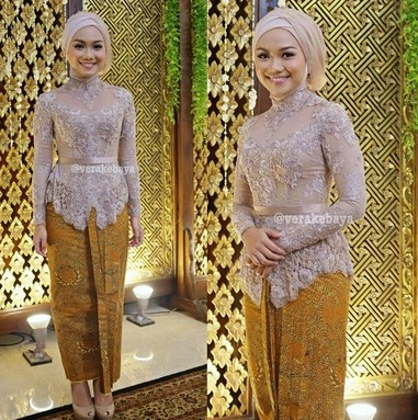 Baju kebaya Islami Cantik dan Elegan