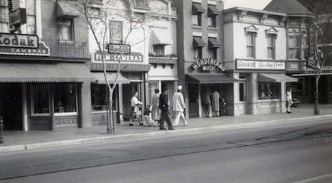 Cincinnati revisited greetings from cincinnati gibsons greeting card shop disneyland ca 1960 m4hsunfo Choice Image