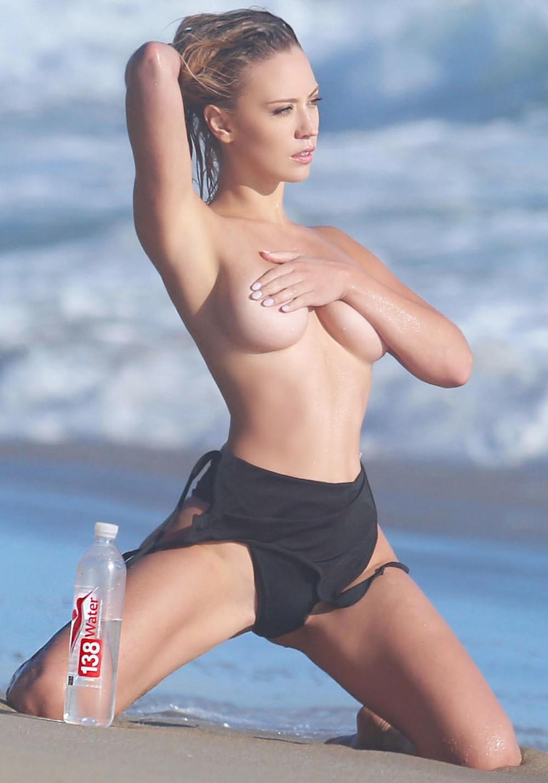 Ава Ланге в горячей рекламной фотосессии