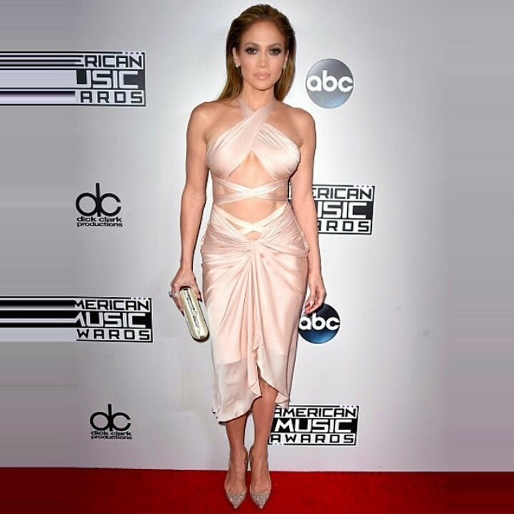 'American Music Awards' Sizzling Red Carpet Looks of the Night