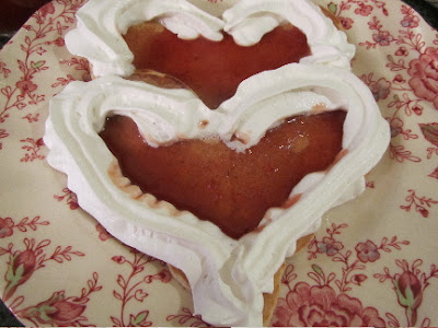 Easy to make heart-shaped pancakes