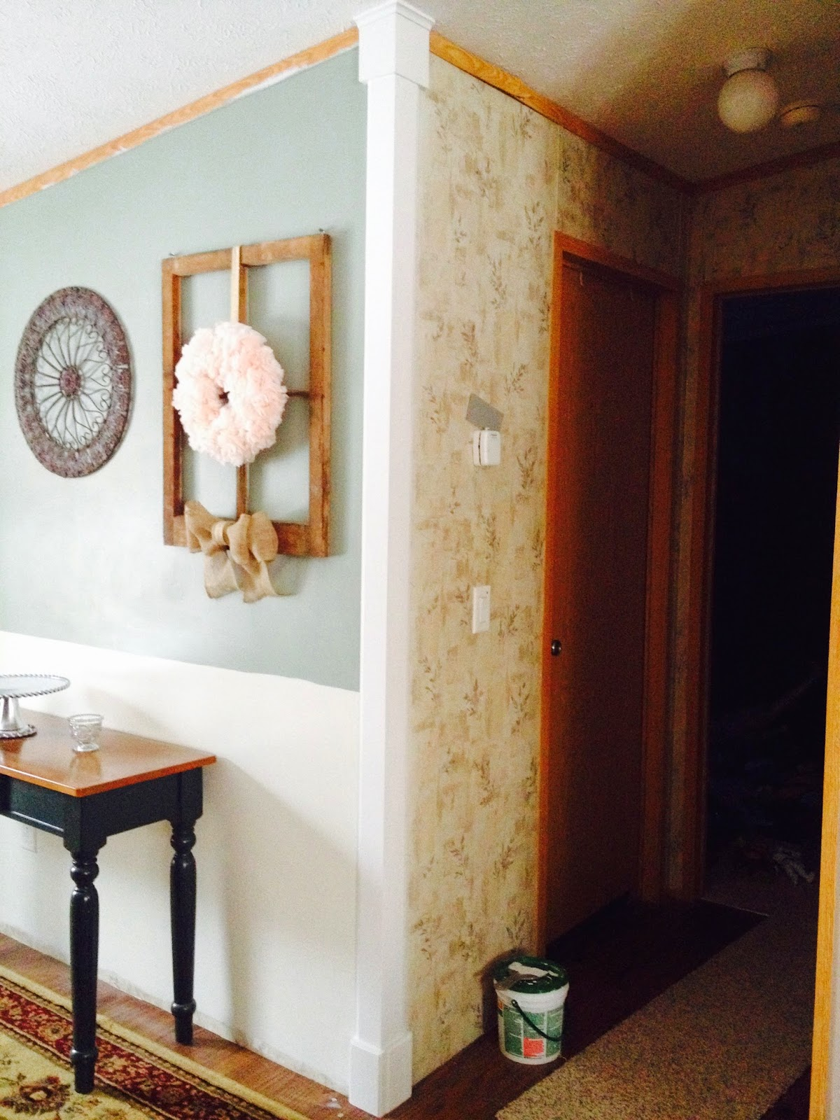 http://pitty-pat.blogspot.com/2015/01/dining-room-facelift-chapter-one-corner.html
