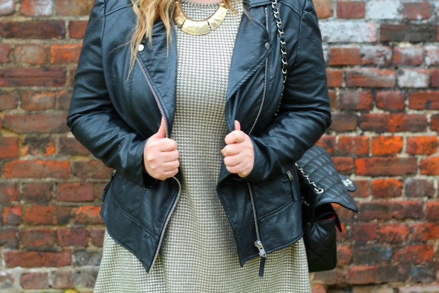 autumn, dogtooth, metallic, outfit, style, fashion, black, biker, leather, jacket, miss selfridge, h&M, black hat, primark necklace, didis boutique, chanel quilted black bag,