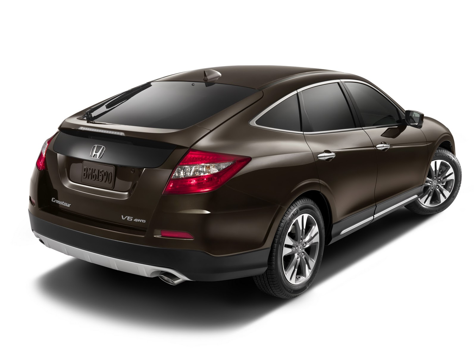 it 39 s official honda kills crosstour as new suvs take over. Black Bedroom Furniture Sets. Home Design Ideas