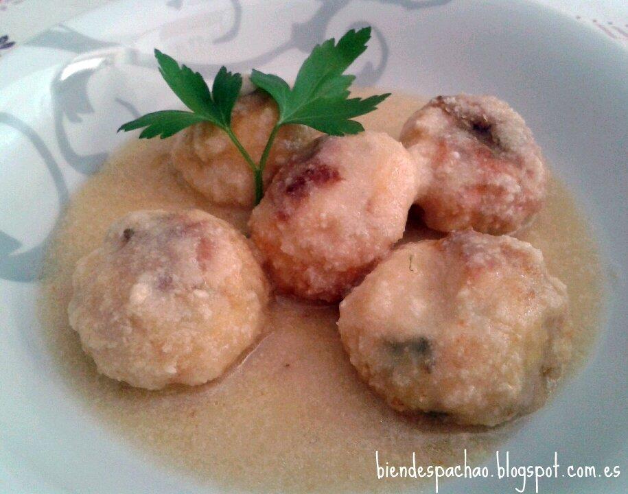 Albóndigas de pescado con salsa de almendras