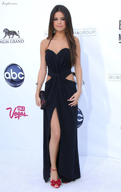 selena gomez 2011 billboard awards. Selena Gomez - 2011 Billboard