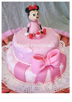Torta Doble Minnie Bebe