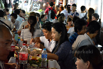 Bangkok-Food-Pla-Chon-Pao-Grilled-Snakehead-Fish-Street-Side-Stall-CentralWorld