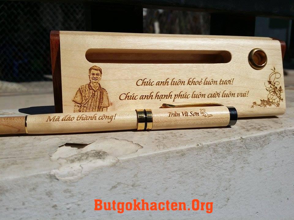 Bút gỗ khắc tên làm quà tặng năm mới 2015