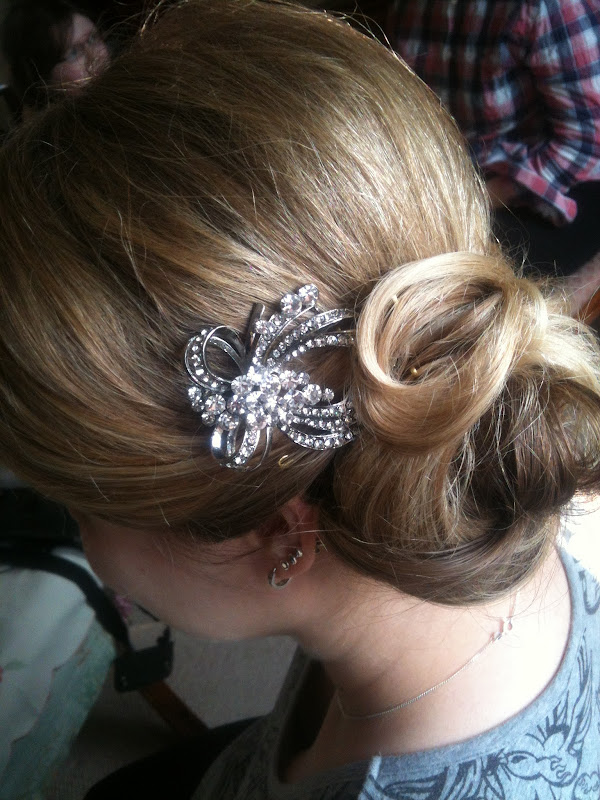 created a stunning updo for Gayle, curled and pinnned up to one side  title=