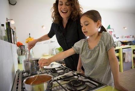 Uno de dulce y uno de chile cocinando con mam - Nina cocinando ...