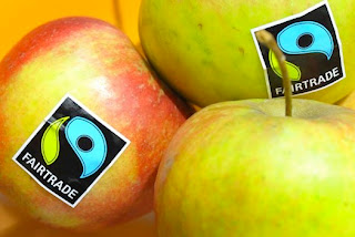 http://1.bp.blogspot.com/-n5ceZ91Ldfo/T0y9dHkyWhI/AAAAAAAAAbI/gvlPGQx98jI/s320/Fairtrade-consumer.jpg