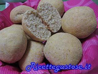 http://www.ricettegustose.it/Pane_html/Panini_morbidi_alla_zucca.html