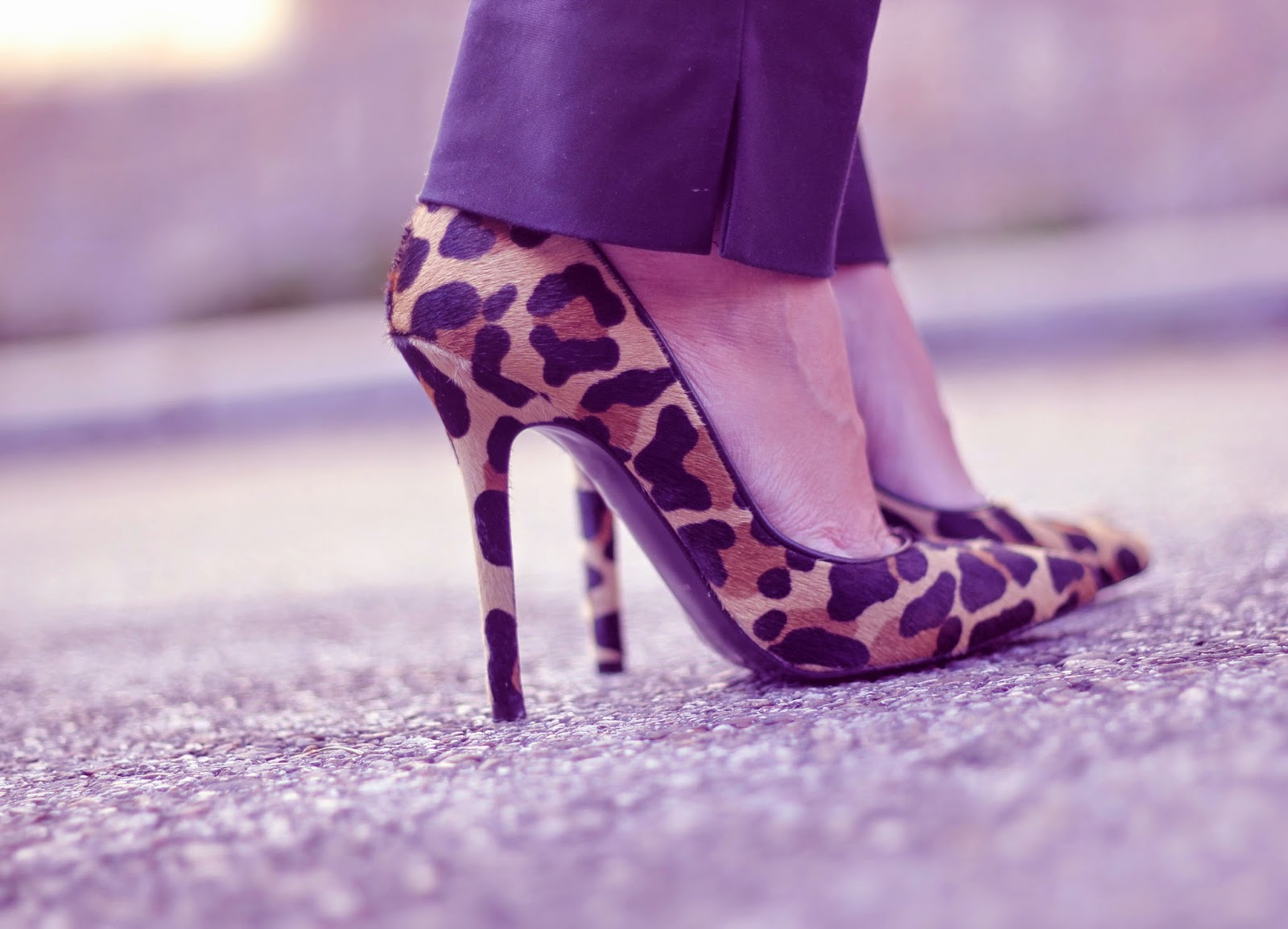 photo-leopard-stiletto-look-street_style