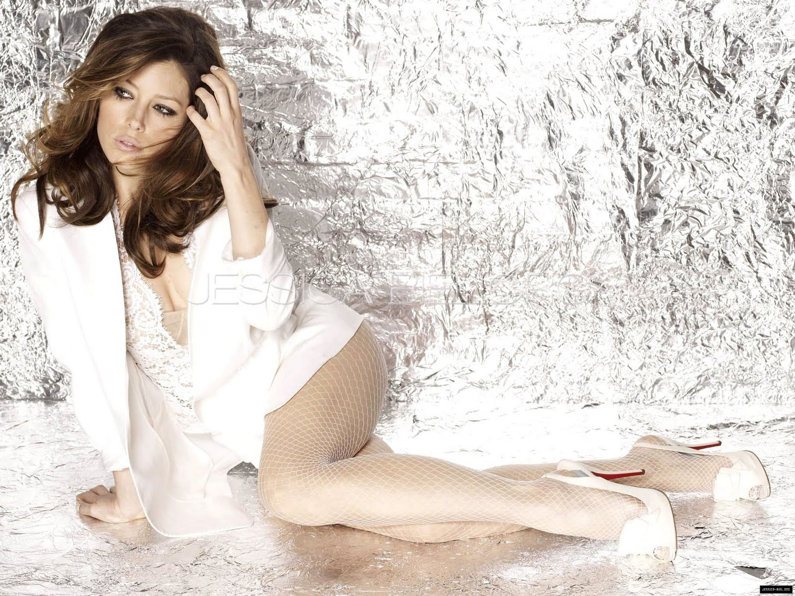 download free mp3 songs and wallpapers: Jessica Biel