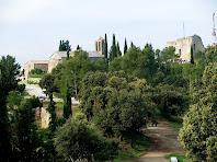 Conjunt de la Tossa amb el Mas del Castell, l'església de Santa Maria i el Castell des del cim de la Tossa