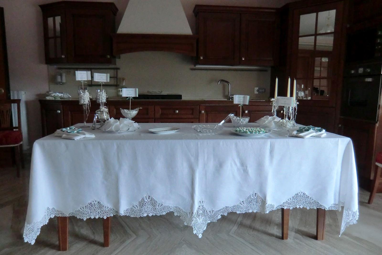 Confetti decorati con pasta di zucchero e addobbi a casa - Addobbi tavoli matrimonio casa ...