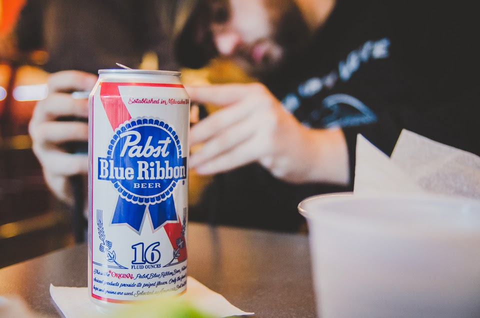punch burgers and pbr in downtown indianapolis by photographer